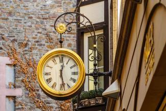 在街上的钟